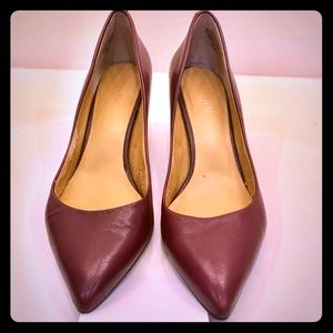 Nine West oxblood pump